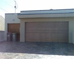 Cedar Grove Gold Coast Garage Doors